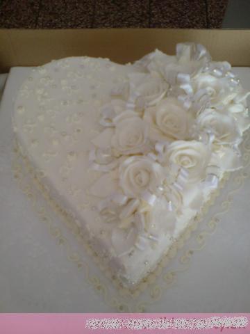 Svadobne torty, zakusky - Obrázok č. 93