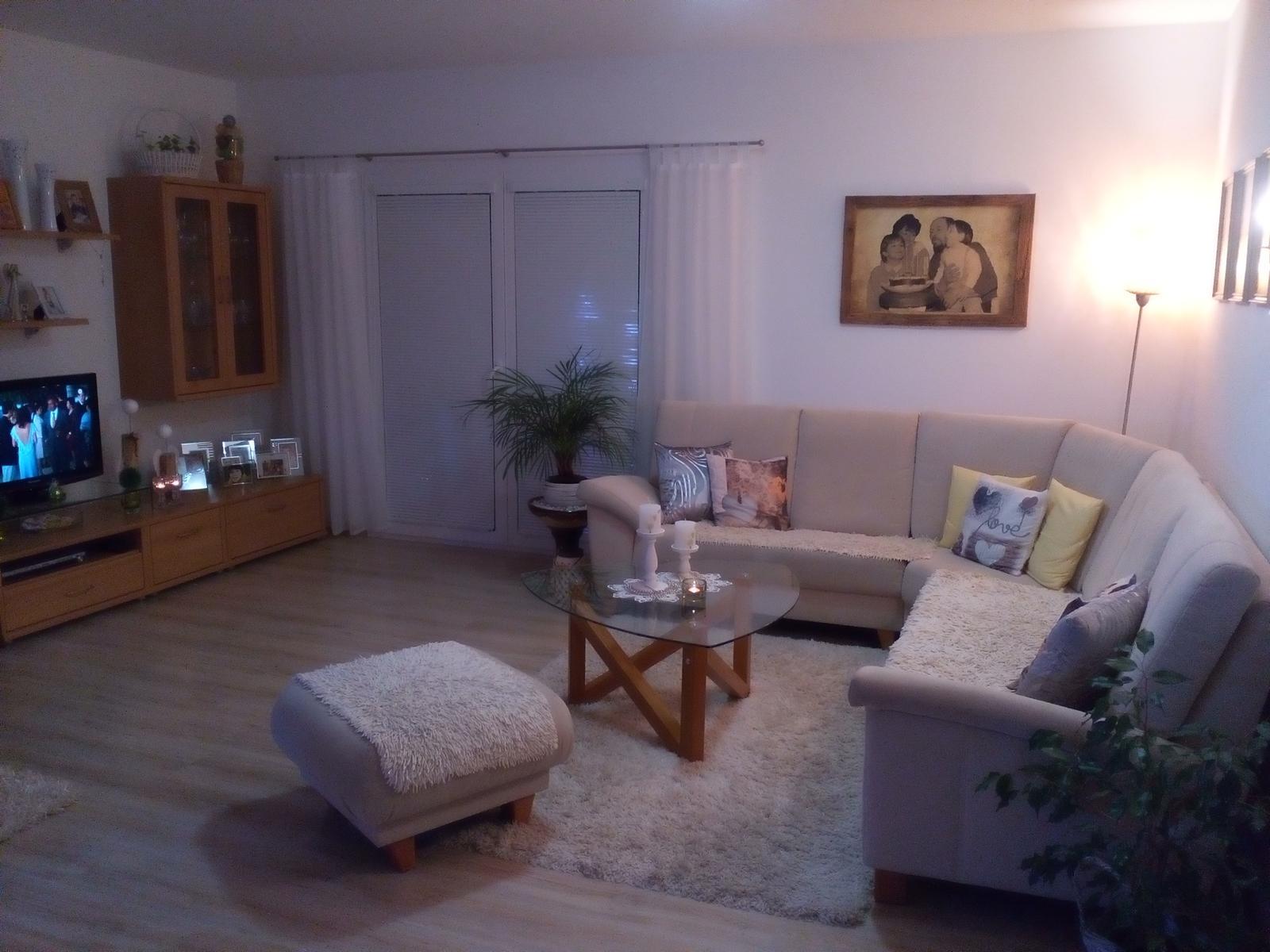 Dom v Dolnej Strede - obývacia miestnosť