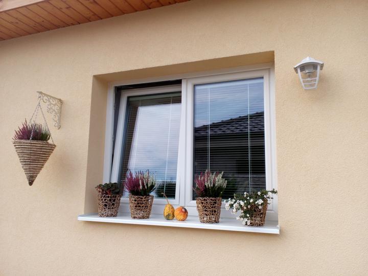 Jesenná výsadba už na všetkých oknách.