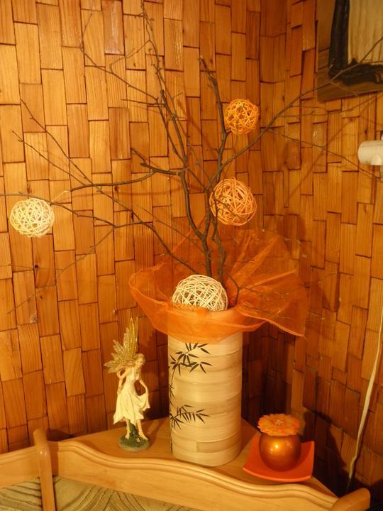 Začínam s výzdobou 2011 - aj v zime sa dajú využiť brezy pred bytovkou D
