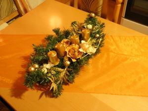 vianočný stôl v kuchyni