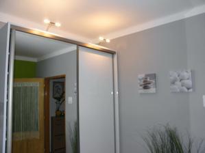 Už svietia aj lampičky na skrini D