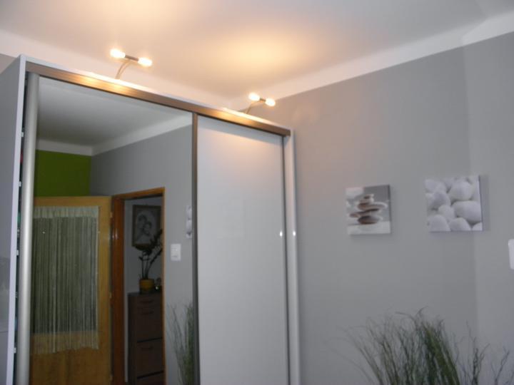 Moja izba D - Už svietia aj lampičky na skrini D