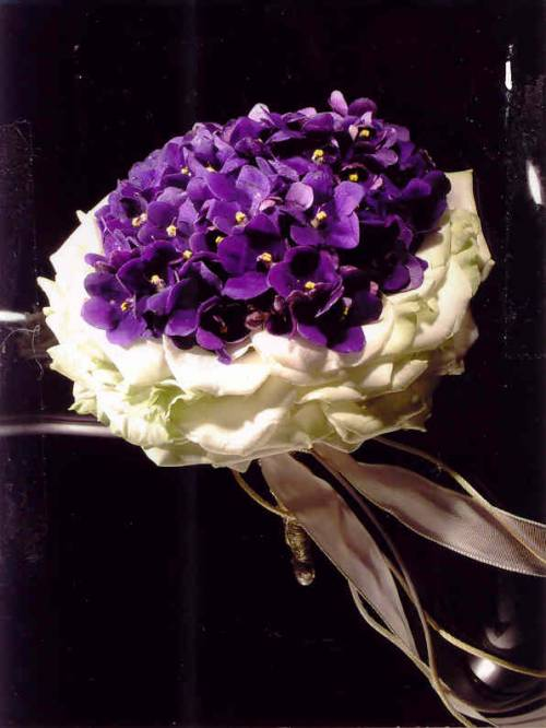 Moje představa - začala jsem přemýšlet, že bych svatbu sladila do fialek ...