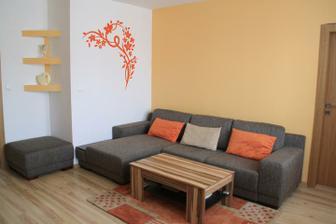 Rohová sedačka v obývačke