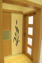 Dvere do balkónovej izby