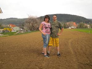 s mojou lásočkou na našom pozemku :)