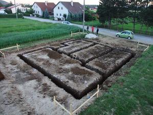 č.2 - vykopané základy