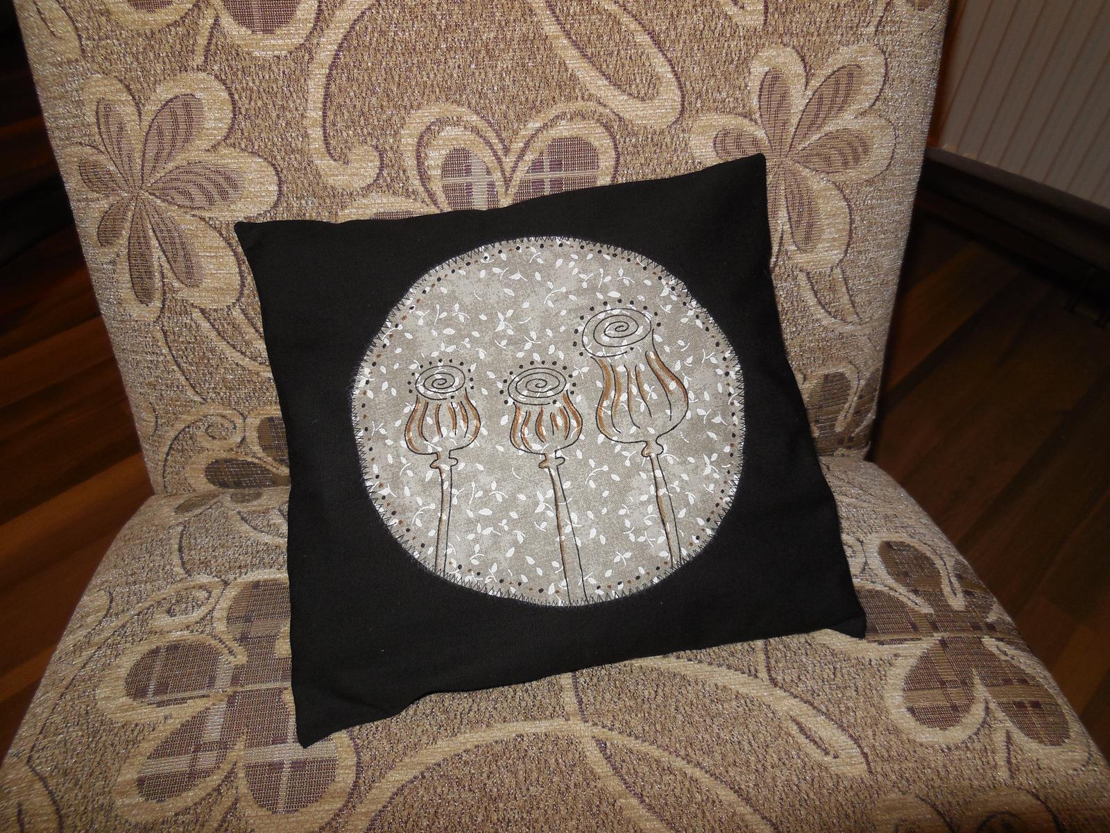 Naše roubenka - Dnešní výrobek - pohankový polštář :-)
