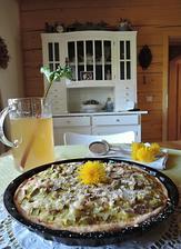 čistě jarní záležitost - rebarborový koláč s limonádou
