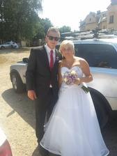 S bráškou před obřadem....ještě slečna Paťhová :)