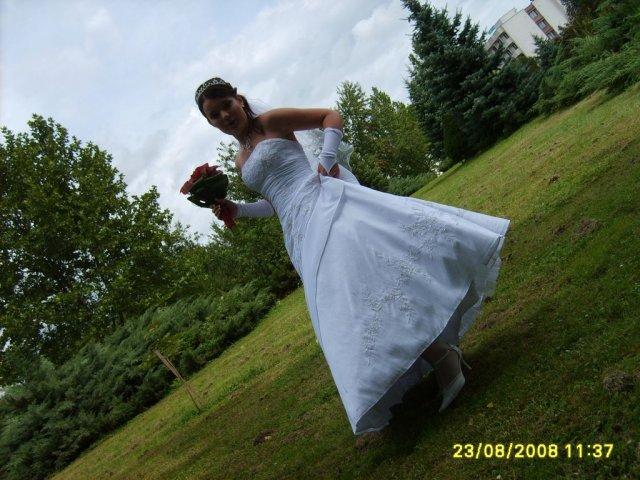 Renátka{{_AND_}}Marián - ... z rúk ženícha :-)