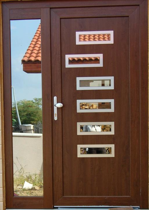 Toto sa mi paaci :) - Tieto dvere nam musia spravit podla fotky.ine ani nechcem:).len skoda ze nas nepadlo pri projektovani domu aby sme mali priestor na sedvicove dvere.mame len klasicke