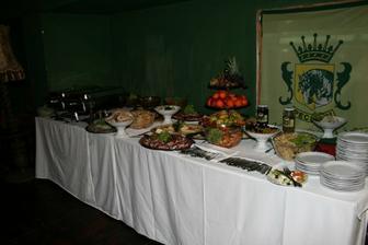 rautový stůl