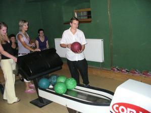 i bowling se hrál o 106