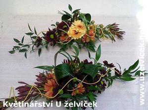 Květiny na svatební tabuly