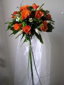 Svatební kytice pro nevěstu - ten hadr je možná trochu moc