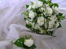 Svatební kytice pro nevěstu - něžná, ale to by mi nikdo neuvěřil :)