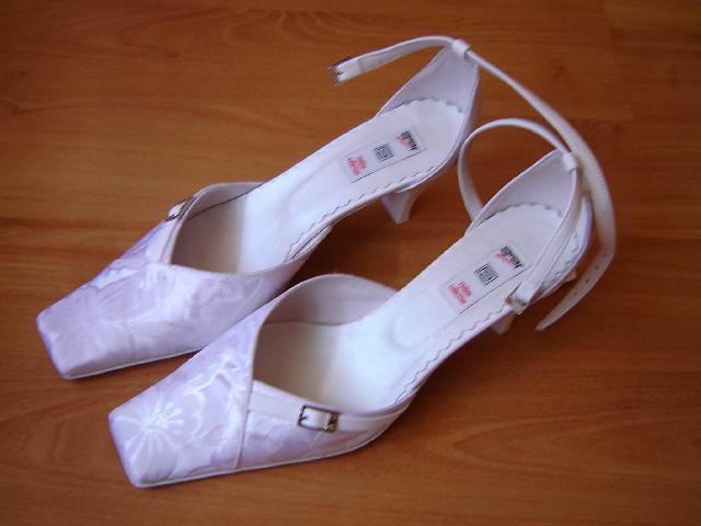 M + P představy a skutečnost, smetanovo - bílá svatba - Koupené v Polském salóně
