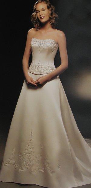 M + P představy a skutečnost, smetanovo - bílá svatba - tak nakonec jsem vybrala podobné jako jsou tyhle,ale bílé :-)