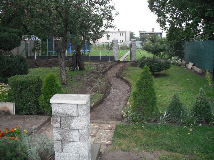 Záhrada pre oddych - Realizácia chodníka