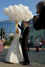 vypustili sme balóny so želaniami od hostí.