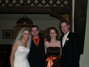 Bez pomoci Desany by som celkom určite nemala svadobné šaty - a zrejme sa ani nevydala :-) Určite oplatím...