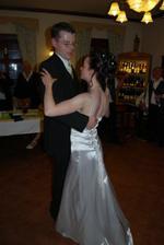 první manželský tanec (i druhý byl solo, nikdo jiný netancoval)