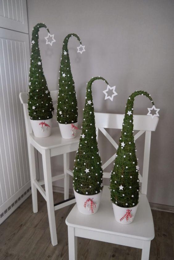 Dreaming of a white Christmas - Dekorace před vchodové dveře je také jasná :)