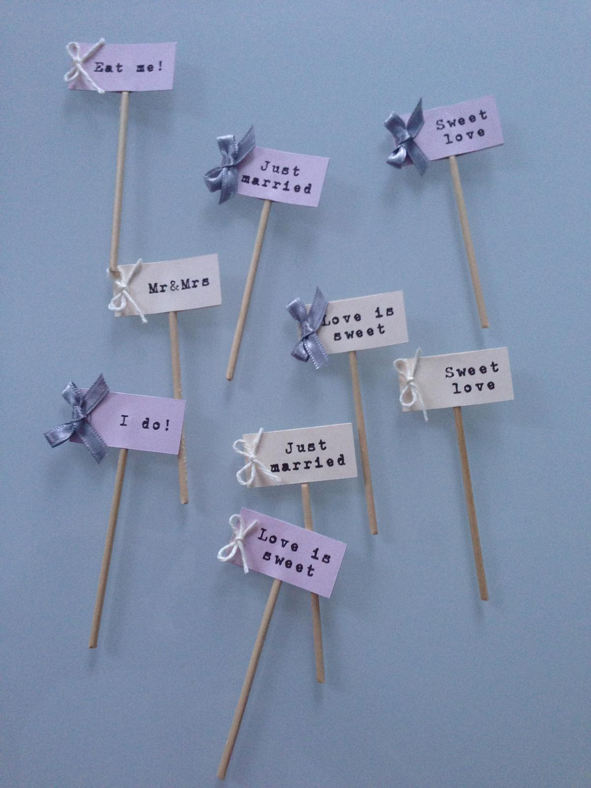 svadobné rekvizity - Zapichovátka do perníčkov alebo iných koláčikov