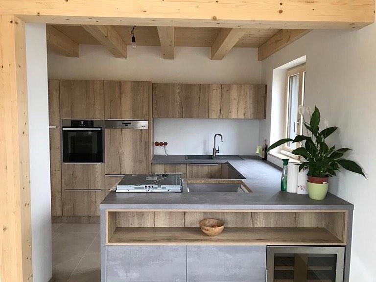 Kuchyňa: Harmónia dreva a betónu - Obrázok č. 3