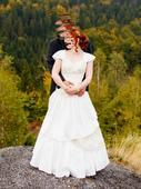 Svatební šaty s rukávky, 36