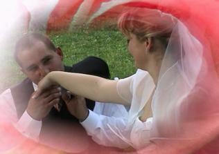 krásne pobozkanie na ruku