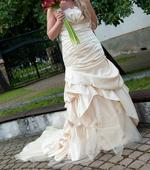 Svadobné šaty + spoločenské šaty, 38