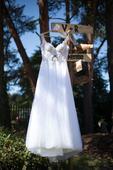 Krajkové bílé svatební šaty, 36