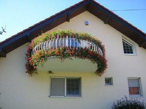 nadherny balkon