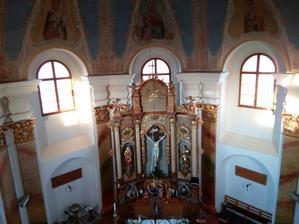 Náš kostelíček Povýšení sv. Kříže. ♥ (foceno od varhan)
