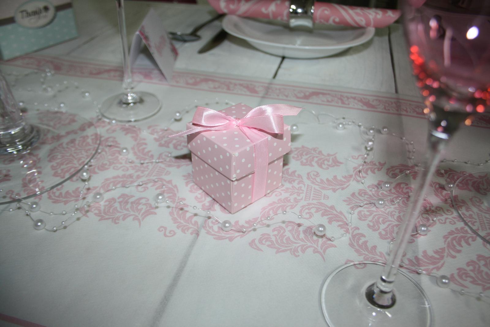 Krabička pre hostí s mašličkou - Obrázok č. 1