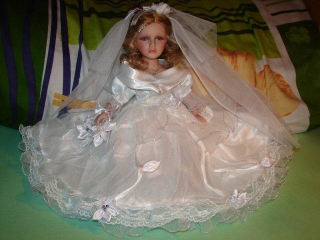 Pavučina snov - bábika na naše svadobné autíčko