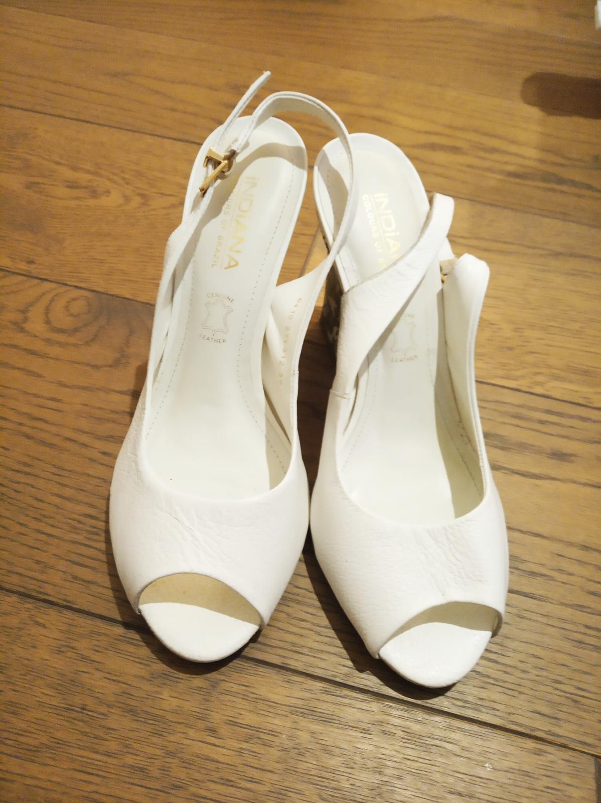 svadobné topánky so vzorovaným opätkom - Obrázok č. 2