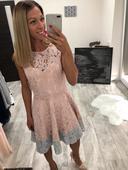 Princeznovské krajkové šaty, M