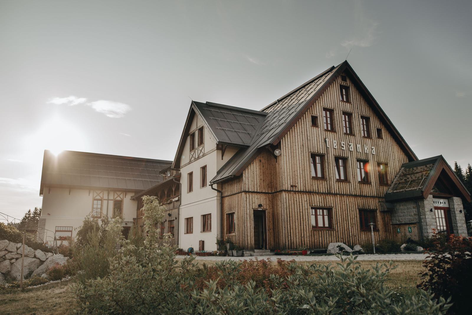 Dominika{{_AND_}}Libor - Nejúžasnější místo pod sluncem 💘