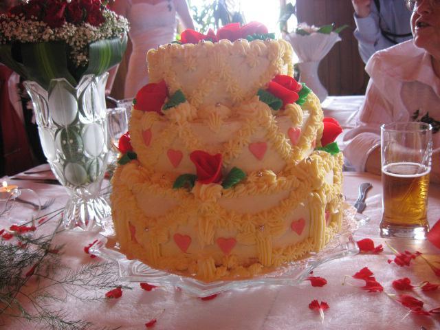 Vynikající dortík upekla neteř ženicha -moc moc šikovná