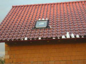 střecha s okýnkem