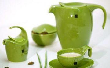 nezbytný čajový servis