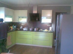 10.12. nám namontovali kuchyň :-)