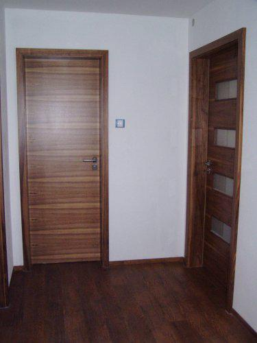 Naše bydlo - 23.12. nám namontovali dveře