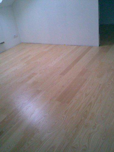 Naše bydlo II - 16.6.podlaha v podkroví (dřevěná lepená jasan Gottenburg)