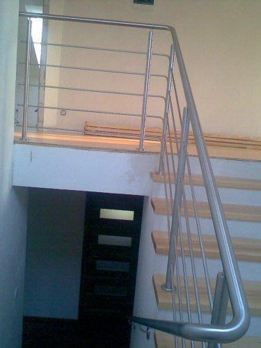 Naše bydlo II - 7.7.2009 hotové nášlapy na schody(masiv jasan)