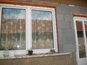 plastové okno a dvere na miesto železných
